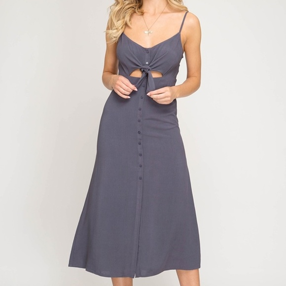 Dresses & Skirts - Grey Navy Midi Dress